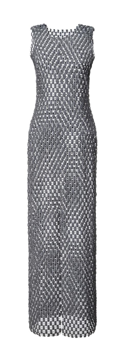 šaty z šedé krajky