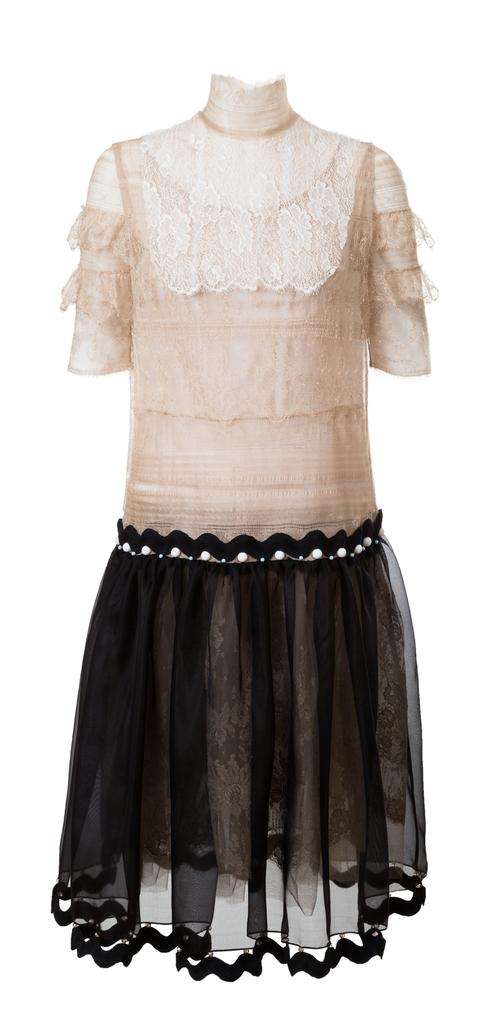 krajkové šaty s organzovou sukní